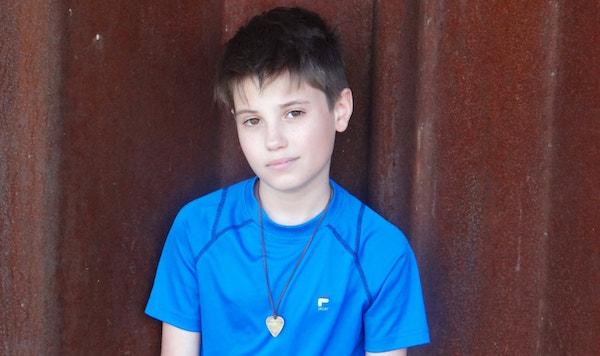 Tanner Massey Blue Shirt Rust BG sm-min